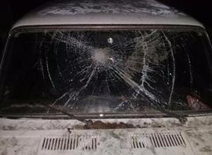 В Волжском неизвестные «надругались» над отечественным автомобилем
