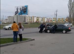 Пятимесячный ребенок получил травму головы в столкновении двух легковушек в Волжском