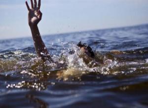 Под Волжским из реки достали тело женщины в леопардовом купальнике