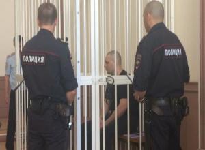Александр Масленников на куклах показал, как расчленял своих жертв
