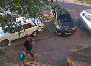 Водители-хамы паркуются так, что мы не можем попасть домой, - волжанка Анна Литвинова
