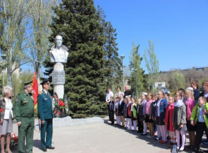 Генерала Карбышева навсегда увековечили в Волжском