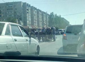 Молодая девушка на ВАЗе сбила женщину в центре Волжского