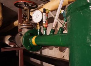 Власти решили включить долгожданное отопление в Волжском
