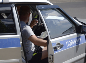 Пьяный водитель выстрелил в сотрудника ГИБДД в Волжском за то, что остановили его внедорожник