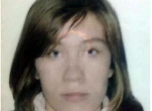 Молодую девушку, пропавшую днем в 18 микрорайоне, объявили в розыск в Волжском