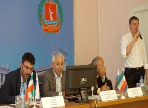 Иранские бизнесмены договорились о сотрудничестве с бизнесменами Волжского