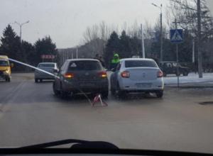 Улица Энгельса оказалась парализована из-за ДТП в Волжском