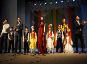 Больше тысячи волжан отметили казахский праздник «Курс айт»