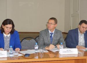 В Волжском прошло совещание по проблеме вывоза ТКО