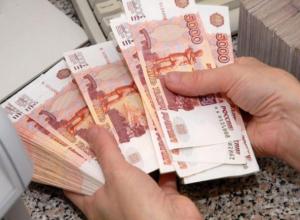 Мастер мебели из Волжского присвоил 55 тысяч рублей