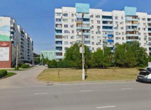 Девятилетний мальчишка выпрыгнул под колеса кроссовера в Волжском