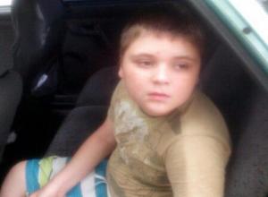 Маме мальчика-инвалида в Волжском приходится выбивать памперсы и лекарства через губернатора и президента
