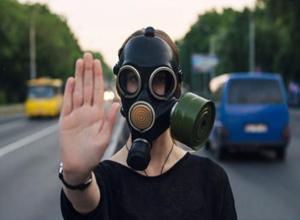 Ядовитым сероводородом два дня подряд травили жителей старой части Волжского