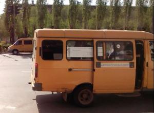 Запрещенные маршрутки продолжают ездить в Волжском, несмотря на постановление мэрии
