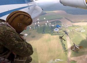 Юных волжан обучат прыгать с парашютом