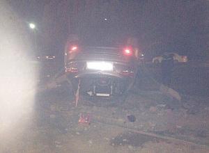 Пьяная девушка угробила парня, протаранив столб и перевернув иномарку в Волжском