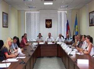 Депутаты Волжского отдали в федеральную собственность здания медсанчасти МВД и центра соцобслуживания