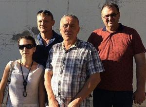 Власти региона создали видимость помощи жителям Колхозной Ахтубы, у которых отбирают участки и дома