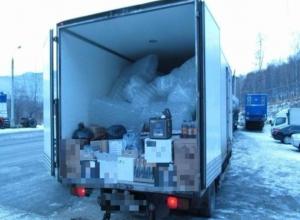 Волжанин перевозил в грузовике 11 600 бутылок поддельного алкоголя