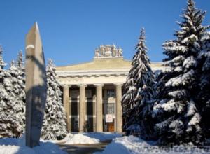 Декабрь в истории Волжского: построили первые дома, утвердили герб и запустили трамвай