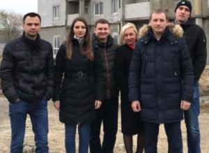 Московский известный общественник встретился с измученными волжскими дольщиками