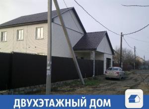 Чудесный двухэтажный дом готов принять нового хозяина в поселке Рыбачий