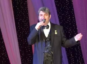 В Волжском скончался известный певец Игорь Шопин