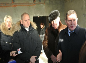 Андрей Бочаров нагрянул с проверкой в 28 микрорайон Волжского