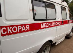 Иномарку отбросило на пешехода после столкновения с «четырнадцатой» в Волжском