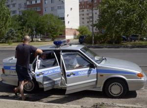Подделав документы на авто, молодой лихач повесил свои штрафы на пенсионера в Волжском
