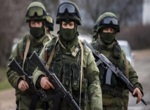 Бойцы Росгвардии задержали сотрудника ЧОПа в Волжском, который терроризировал мать и отчима