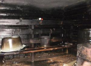 В Волжском в субботний вечер загорелась банька