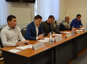 В мэрии Волжского поспорили, кто виноват в коррупции – чиновники или люди