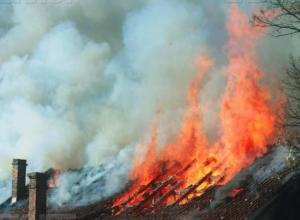 В Верхнепогромном горела хозяйственная постройка