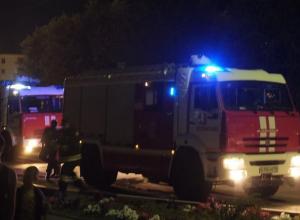 Помещение двухэтажного здания вспыхнуло в Волжском