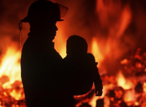 Семилетний ребенок пострадал в пожаре в Волжском