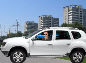 Председатель Волжской гордумы Дмитрий Ястребов ездит на стареньком Renault