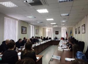 После долгих прений депутаты все-таки приняли бюджет 2017 в Волжском
