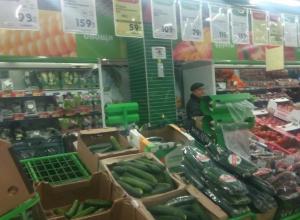 В «Карусели» самые дешевые и самые дорогие огурцы в Волжском