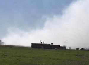 Владельцы полигона в Волжском не пускают на горящую свалку экологов и пожарных
