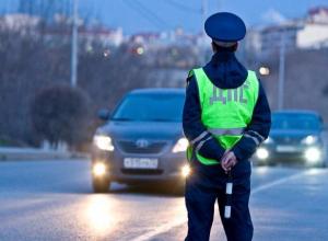 Инспекторов ДПС с деловыми качествами и юридическим образованием набирает УМВД Волжского