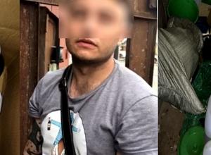 Любитель тату из Волжского устроил в гараже лабораторию по производству наркотиков