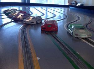 Современную трассу открыли для любителей автомодельного спорта в Волжском
