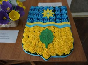 Нашествие цветочников пришло Волжский в очередной раз