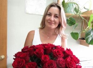 Очаровательную Оксану Тельпову поздравили с днем рождения!