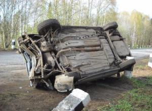 Водитель со стажем чудом выжил, опрокинув свой автомобиль под Волжским