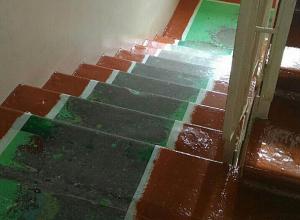 Малышей и их мам начали травить дешевой краской в инфекционной больнице Волжского
