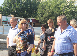 Раньше срока пообещали сдать новый сквер в 18 микрорайоне Волжского