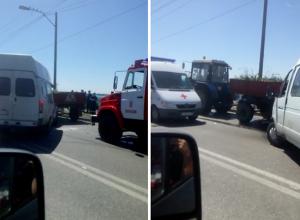 Маршрутка №160 влетела в трактор на мосту через Волжскую ГЭС